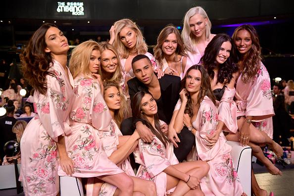 Victoria's Secret「2017 Victoria's Secret Fashion Show In Shanghai - Hair & Makeup」:写真・画像(9)[壁紙.com]