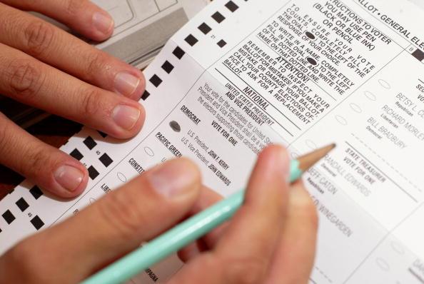 Waist Up「Oregon Voters Go To The Polls」:写真・画像(6)[壁紙.com]