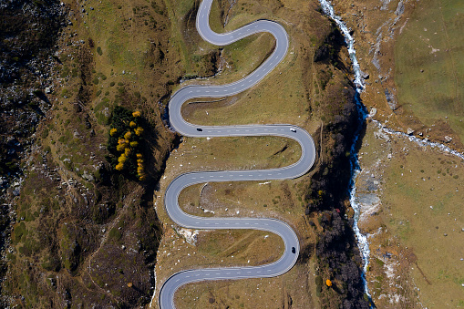 Hairpin Curve「Winding, Mountain Road from Above」:スマホ壁紙(0)