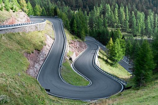 Hairpin Curve「Winding mountain road」:スマホ壁紙(8)