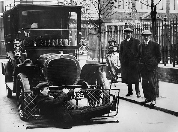 Beaulieu National Motor Museum「1908 Deasy Testing Pedestrian Road Safety Device. Creator: Unknown.」:写真・画像(12)[壁紙.com]