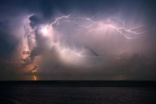 Meteorology「Midnight Thunderstorm (XXXL)」:スマホ壁紙(3)