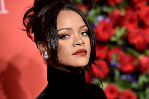 Image「Rihanna's 5th Annual Diamond Ball」:写真・画像(8)[壁紙.com]