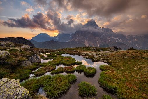 Dramatic Landscape「The Mountains Pale di San Martino and Cimon della Pala at sunrise. UNESCO World Heritage Site.」:スマホ壁紙(19)