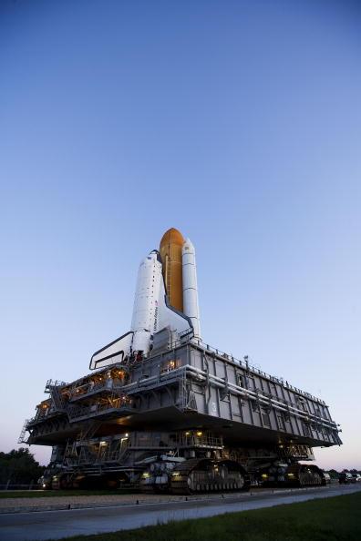 Space Shuttle Endeavor「Endeavour Preparations at Kennedy Space Center」:写真・画像(8)[壁紙.com]
