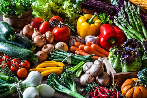 Asparagus「Colorful fresh organic vegetables」:スマホ壁紙(8)