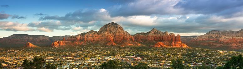 Sedona「Scenic landscape panoramic view over Sedona Arizona USA」:スマホ壁紙(10)
