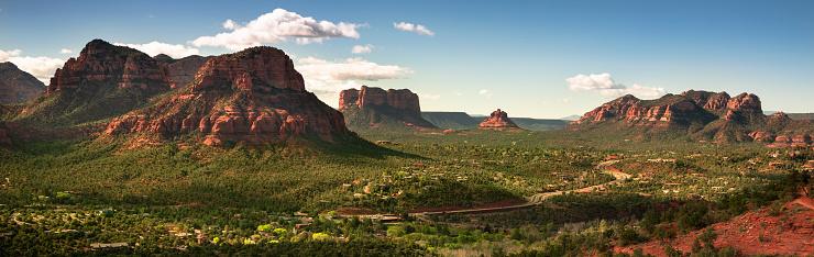 Sedona「Scenic landscape panorama view over Sedona Arizona USA」:スマホ壁紙(9)
