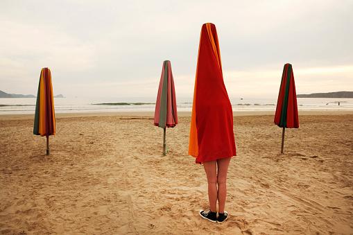 Leg「Surreal beach scene」:スマホ壁紙(6)