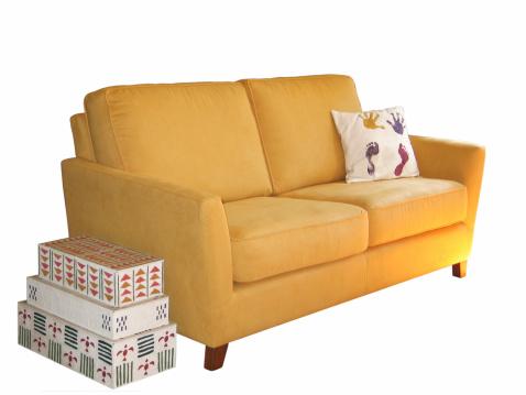 斜めから見た図「ボックスとソファー」:スマホ壁紙(13)