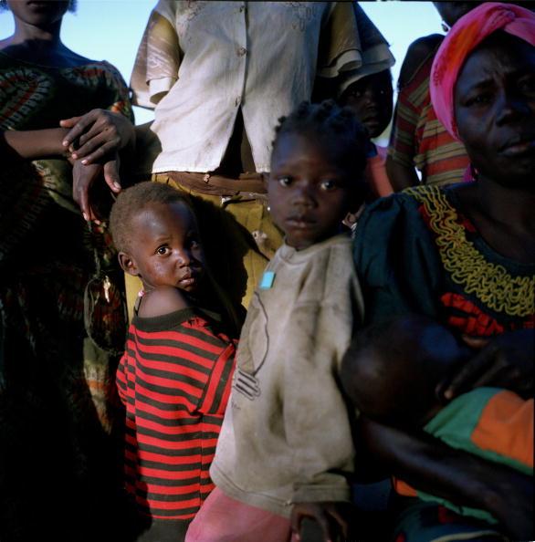 Tom Stoddart Archive「Exxon Mobil's Chad / Cameroon oil pipeline」:写真・画像(5)[壁紙.com]