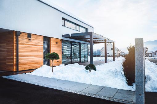 Deck Chair「Modern home in winter time」:スマホ壁紙(9)