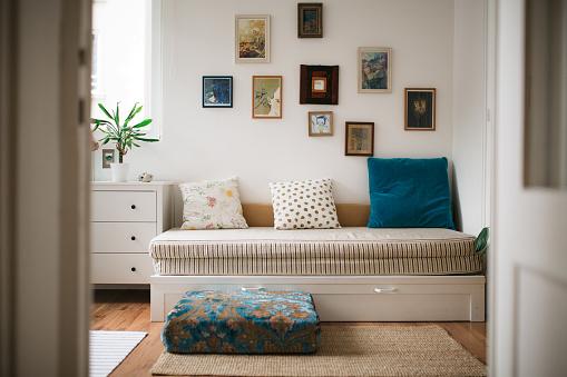 Inexpensive「Modern home interior」:スマホ壁紙(18)