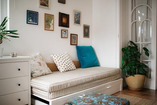 Inexpensive「Modern home interior」:スマホ壁紙(14)