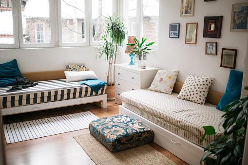 Inexpensive「Modern home interior」:スマホ壁紙(6)