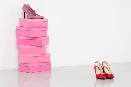 Shoe「Shoes and shoebox」:スマホ壁紙(17)