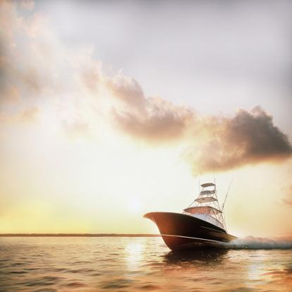 Direction「Motor yacht powering through calm water」:スマホ壁紙(0)