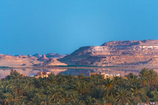 El Siwa「Egypt, Siwa Oasis, landscape over small town and lake」:スマホ壁紙(5)