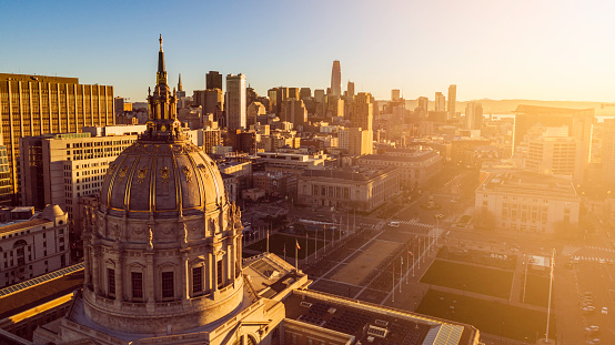 Politics「San Francisco City Hall at Dawn」:スマホ壁紙(18)