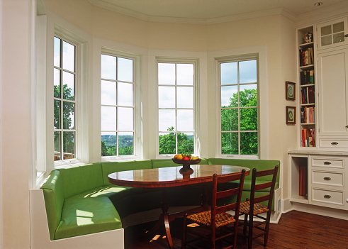 Archival「Sunny breakfast nook with green banquette seating」:スマホ壁紙(9)