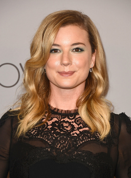 Emily VanCamp「Warner Bros. Pictures And InStyle Host 19th Annual Post-Golden Globes Party - Arrivals」:写真・画像(19)[壁紙.com]