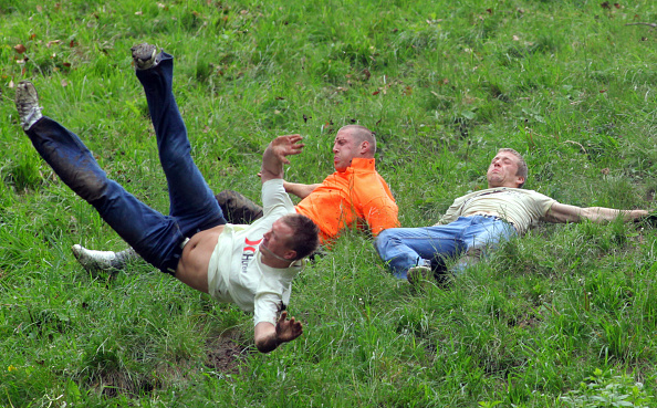 Matt Cardy「Annual Bank Holiday Cheese Rolling Competition」:写真・画像(9)[壁紙.com]