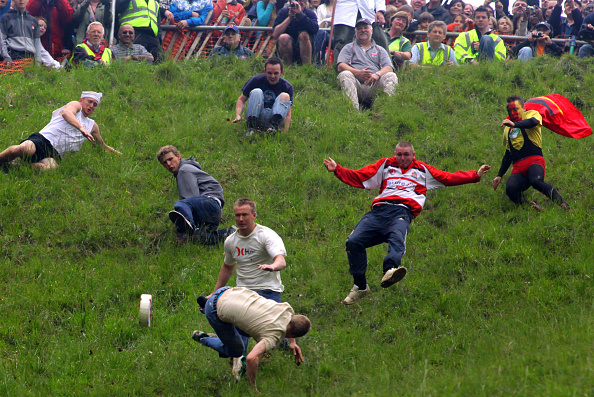 Matt Cardy「Annual Bank Holiday Cheese Rolling Competition」:写真・画像(8)[壁紙.com]
