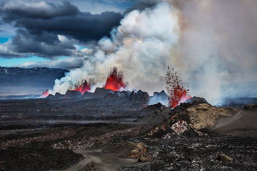 Lava Plain「Volcano Eruption at the Holuhraun Fissure near Bardarbunga Volcano, Iceland」:スマホ壁紙(16)