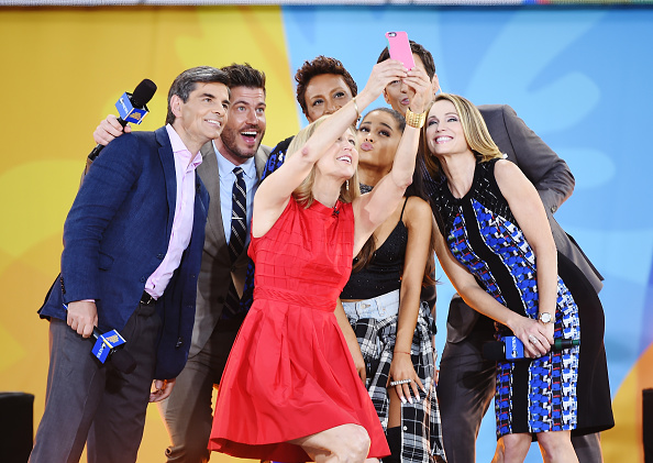 """Photography Themes「Ariana Grande Performs During ABC's """"Good Morning America's"""" 2016 Summer Concert Series」:写真・画像(9)[壁紙.com]"""