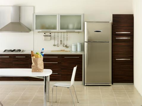 Refrigerator「Shopping bag in a kitchen」:スマホ壁紙(9)
