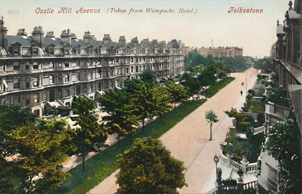 Edwardian Style「Castle Hill Avenue Taken From Wampachs Hotel Folkestone」:写真・画像(4)[壁紙.com]