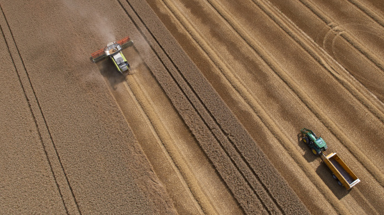 Agricultural Field「Combine and Tractor Harvesting Crop」:スマホ壁紙(10)
