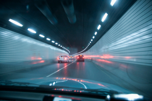 Light Trail「point of view out front of car in tunnel」:スマホ壁紙(8)