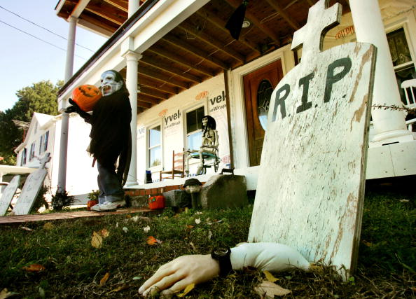 Halloween「Halloween Decorations Begin Going Up」:写真・画像(16)[壁紙.com]
