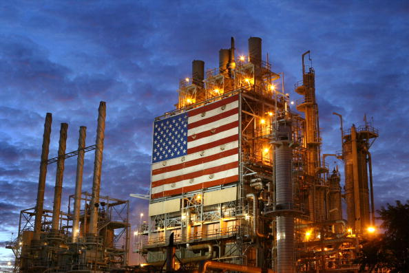 Industry「Oil Prices Hit Highest Price In Almost A Year」:写真・画像(4)[壁紙.com]