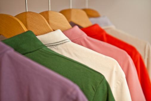 Sweatshirt「Coloured T-Shirts on hangers」:スマホ壁紙(14)