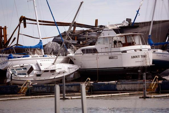 Hurricane Ike「Coastal Texas Faces Heavy Damage After Hurricane Ike」:写真・画像(10)[壁紙.com]