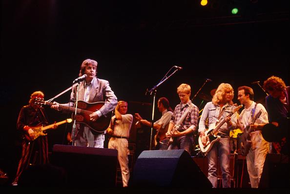 Three Quarter Length「Paul McCartney Francis Rossi Rick Parfitt Bryan Adams Mark King Princes Trust Wembley Arena」:写真・画像(5)[壁紙.com]