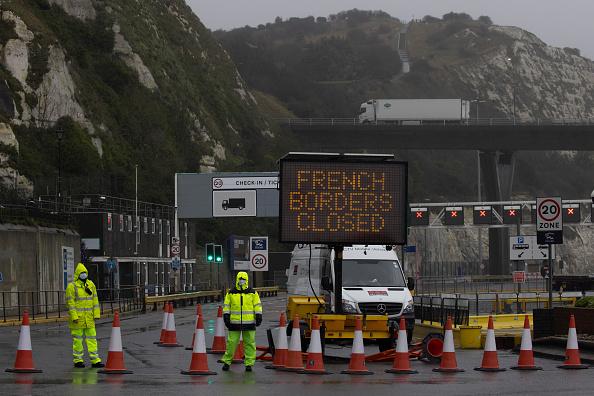 New「French Halt Arrivals From UK Over Covid-19 Worries」:写真・画像(5)[壁紙.com]