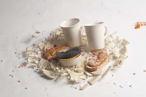 Breakfast「breaking Porcelain」:スマホ壁紙(10)