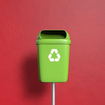 Heidelberg - Germany「Green Trash with recycling Symbol on red」:スマホ壁紙(12)
