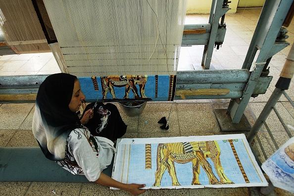 Industry「Iraqis Weave Handmade Carpets」:写真・画像(7)[壁紙.com]