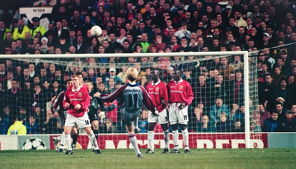 Financial Figures「Manchester United v Bayern M³nchen UEFA Champions League at Old Trafford 1998」:写真・画像(10)[壁紙.com]