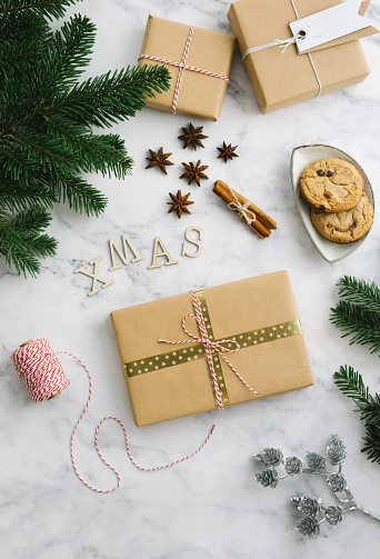 Christmas Paper「Christmas gift boxes with winter themed decorations」:スマホ壁紙(4)