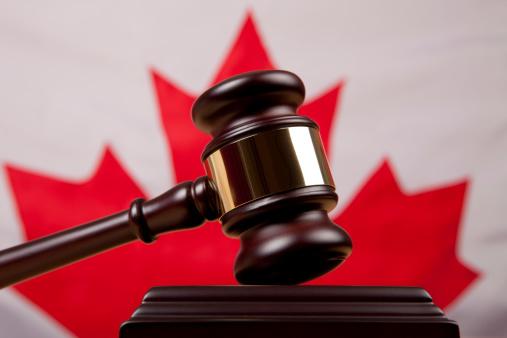 Legal System「Gavel In Front Of Canadian Flag」:スマホ壁紙(3)