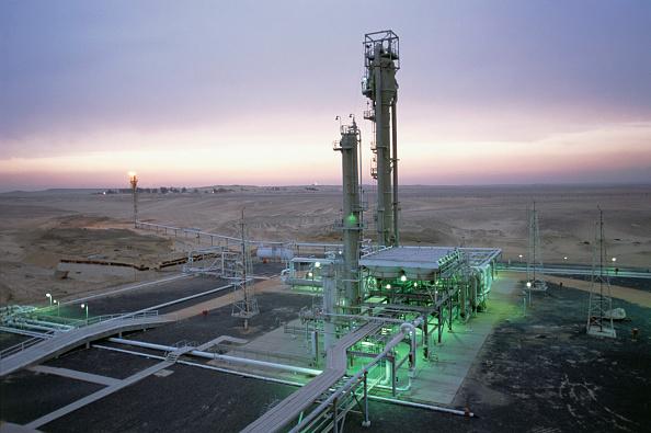 Industry「Gas refinery in the Western desert of Egypt」:写真・画像(5)[壁紙.com]