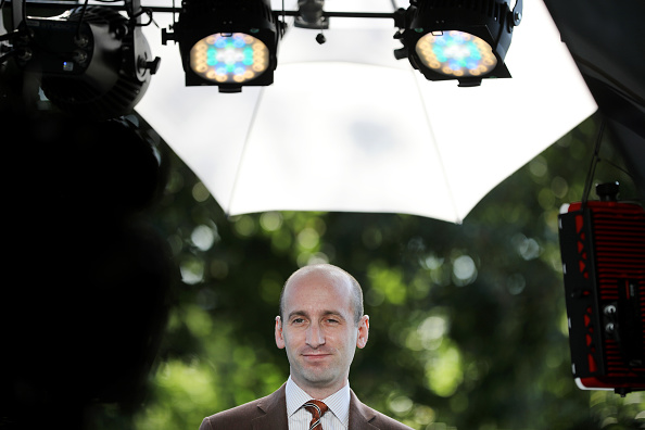 Advice「White House Policy Advisor To President Trump Stephen Miller Speaks With Fox At The White House」:写真・画像(19)[壁紙.com]