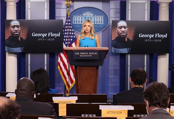 James Brady Press Briefing Room「White House Press Secretary Kayleigh McEnany Holds Daily Press Briefing」:写真・画像(16)[壁紙.com]