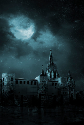 Castle「Ghosts in the empty town」:スマホ壁紙(1)