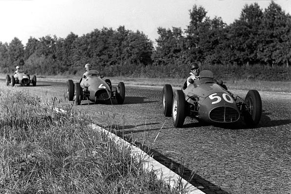 Giuseppe Farina「Juan Manuel Fangio, Alberto Ascari, Nino Farina, Grand Prix Of Italy」:写真・画像(14)[壁紙.com]